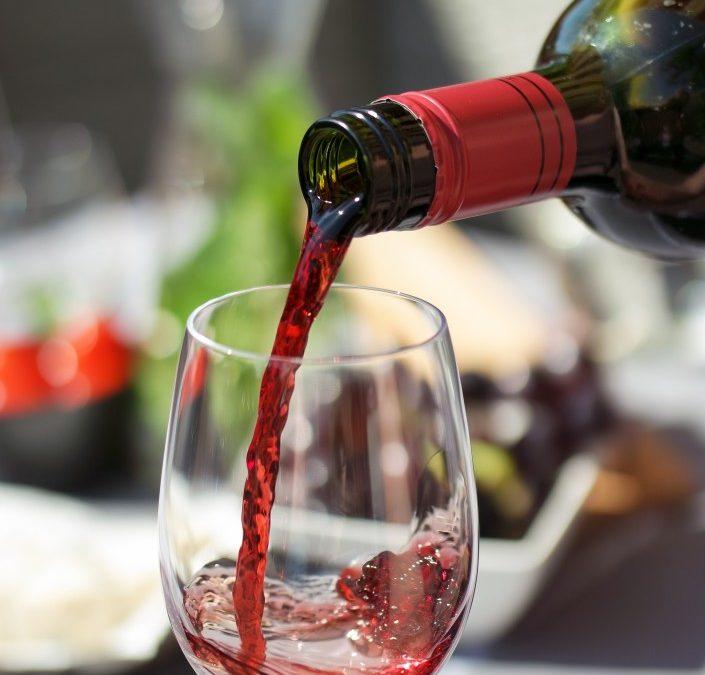 Quels sont les équipements à posséder obligatoirement pour se lancer dans la vente de vin ?